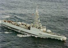HMCS Restigouche 257 - lead ship of the Restigouche-class destroyers. Royal Canadian Navy, Navy Day, Navy Ships, Submarines, Battleship, Cold War, Aircraft, Military, History