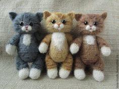 Игрушка кошечка полосатая. Вязаная игрушка котенок тедди - купить или заказать в интернет-магазине на Ярмарке Мастеров - BMAZZRU. Смоленск | Вязаная игрушка кошечка полосатая. Авторская…