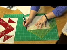 Quilting Quickly: Faceted - Big Block Quilts Quilting Tips, Quilting Tutorials, Quilting Projects, Big Block Quilts, Star Quilt Blocks, Missouri Quilt Tutorials, Quilt Meaning, Bed Quilt Patterns, Layer Cake Quilts