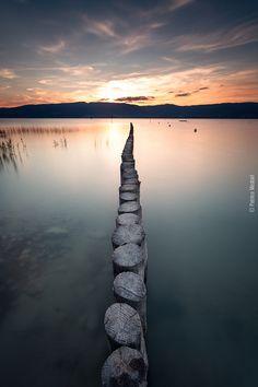Coucher de soleil sur le lac de Neuchatêl, Switzerland