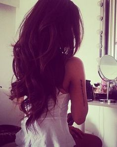 love the long brunette layers & curls!!!