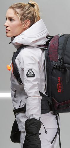 The Nirvana 30 is a compact freeriding backpack with extensive features and a great fit. The backpack's fashionable design elements are complemented by the recycled main material. A cool design and environmentally friendly production – what more could a nature-loving freerider want? The backpack also features full rear access as well as a jacket carrying system, making it a comfortable, perfect companion for off-piste terrain.