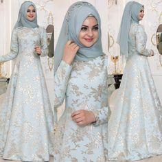 The most stylish Pınar Şems hijab evening dresses, www. Wedding Hijab Styles, Muslim Wedding Dresses, Pakistani Wedding Outfits, Pakistani Bridal Wear, Bridal Hijab, Muslim Dress, Wedding Dress Trends, Pakistani Dresses, Evening Gowns With Sleeves