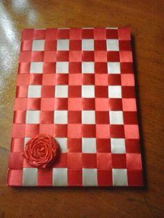 Caderno encapado com fita de cetim trançada