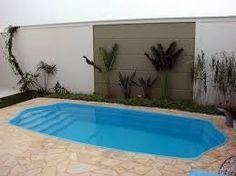 Resultado de imagem para jardim pequeno com piscina pequena