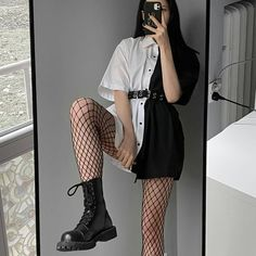 Edgy School Outfits, Edgy Outfits, Cute Casual Outfits, Teen Fashion Outfits, Retro Outfits, Grunge Outfits, Cute Fashion, Tumblr Outfits, Fashion Belts