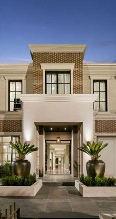 47 ideas for house facade design classic porticos, Classic House Exterior, Classic House Design, House Front Design, Dream House Exterior, Bungalow House Design, Modern House Design, Villa Design, Facade Design, Exterior Design