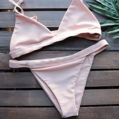 Bikini Babes – Sexy Girls in Beachwear … – Top Trends Bikini Babes, Bikini Girls, Cheeky Bikini, Bikinis, Bikini Swimwear, Swimsuits, Bralette Bikini, Swimwear Model, Swimwear Fashion