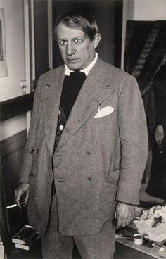 Picasso, in the studio (from 1918 - 1940) of the Rue de la Boetie, 1932. Photo Brassaï