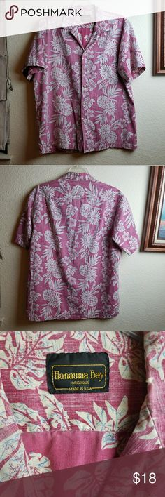 Hanauma Bay Hawaiian Shirt Hanauma Bay Hawaiian Shirt in excellent condition. Has a small tear on back. See pics. Can be repaired or work with her shirt. Hanauma Shirts Casual Button Down Shirts