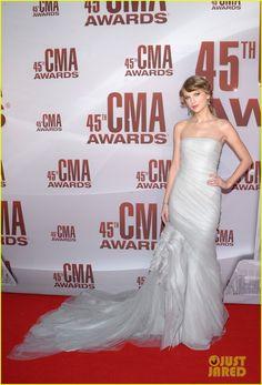 Taylor Swift - CMA Awards 2011