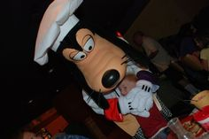 Character Dining at Disneyland Parks