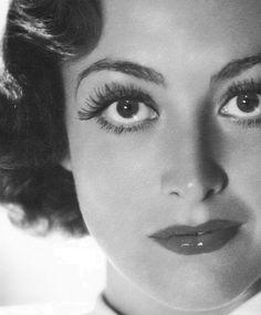 Bette Davis eyes? Pfft. @Joan Crawford