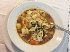 Záhorácka fazuľová polievka • recept • bonvivani.sk Meat, Chicken, Food, Essen, Meals, Yemek, Eten, Cubs