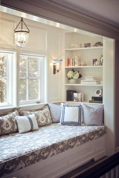 63 Incredibly cozy and inspiring window seat ideas.Love a lot of these! Going to have a window seat built in Sadie's room after we move in. Cozy Nook, Deco Design, Big Design, My New Room, Home Fashion, My Dream Home, Dream Homes, Small Spaces, Family Room