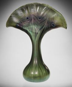 Art Nouveau vase designed by Louis Comfort Tiffany , made by Tiffany Glass and Decorating Company (1892-1902)