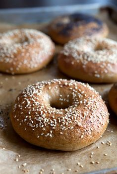 Homemade Bagels--pretty detailed process, but looks like it'll turn out a great bagel!