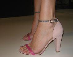 Return of the dainty sandal!!