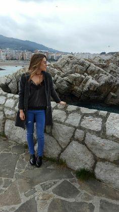 #primavera 🌸 . . #OOTD #outfitoftheday #lookoftheday #love #photooftheday #fashionblogger #fashiondiaries #fashionstyle #fashiongirl #bloggers #blogger #love #spanishblogger #instastyle #mystyle #mylook #instablogger #fashion #whatiweartoday #style #moda  #follow #follow4follow #followme #f4f