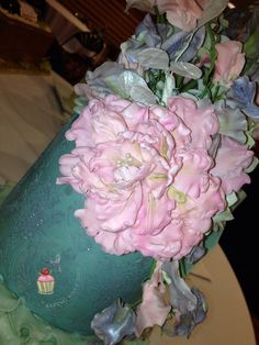 Sugar peony by Reva Alexander-Hawk for Merci Beaucoup Cakes