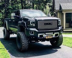 This type of lifted truck gmc is undeniably an amazing design approach. Lifted Cars, Lifted Chevy Trucks, Ford Pickup Trucks, Jeep Truck, Gmc Trucks, Cool Trucks, Chevy Duramax, Chevrolet Silverado, Best Pickup Truck