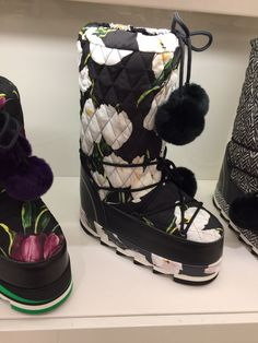 D&G Moon Boots, French Alps, Ski Fashion, Shoe Closet, Aspen, Jimmy Choo, Knee Boots, Winter Outfits, Fashion Ideas