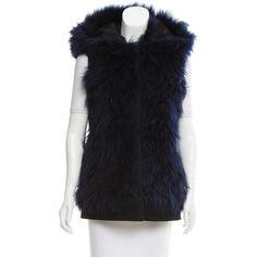 Pre-owned Oscar de la Renta 2015 Shearling Vest ($2,275) ❤ liked on Polyvore featuring outerwear, vests, blue, sheep fur vest, vest waistcoat, blue waistcoat, hooded vests and oscar de la renta