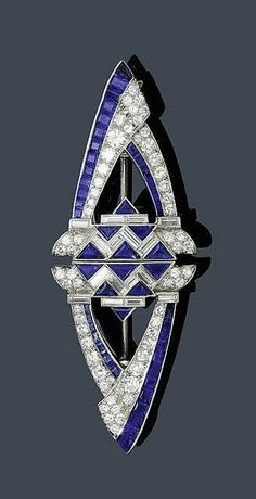 1-Day Intro to Gemstones courses at www.bespokejewllerytraining.co.uk:     AN ART DECO SAPPHIRE AND DIAMOND DOUBLE CLIP, ca. 1935.