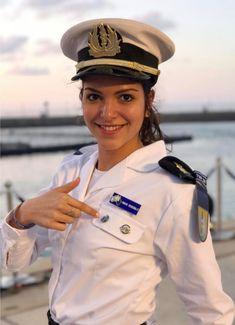 Police Uniforms, Army Uniform, Girls Uniforms, Idf Women, Military Women, Beautiful Muslim Women, Young And Beautiful, Marine Officer, Navy Girl