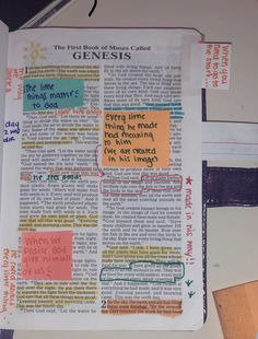 Want my Bible to be studied like this from beginning to end Bible Study Notebook, Bible Study Journal, Scripture Study, Bible Art, Notebook Quotes, Bible Drawing, Bible Doodling, Bible Verses Quotes, Bible Scriptures