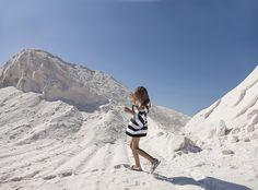 Loose fit dress Lucena by Motoreta for spring summer 16. Read more in MILAN Magazine: http://www.milan-magazine.de/motoreta-salt-sun-south/  #motoreta #motoretakids #saltsunsouth #lucenadress #blackandwhite #stripes #loosefit #dress #kidsfashion #fashionforkids #kidswear #madeinspain #spring #summer #ss16 #salt #desert #saltflats #lassalinas