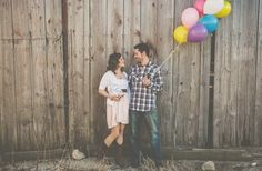 Engagement Photo | Austin, Texas | Balloons | Bicycle | Photo by Studio29