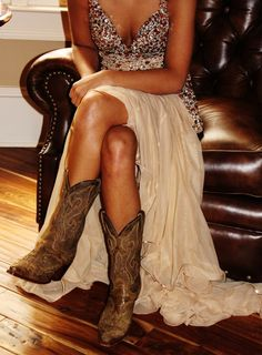 Google Image Result for http://3.bp.blogspot.com/-jUqD5qge1P8/UBAoEdigdEI/AAAAAAAAFVU/VxO7__d7KtE/s1600/oh-how-pinteresting-wednesday-sparkly-sequin-dress-with-cowboy-boots.png