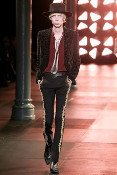 Défilé Saint Laurent, printemps-été 2015 #mode #fashion #couture