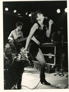 Madonna performing with the Breakfast Club in Uncle Sam's Blues club in Roslyn, Long Island Madonna Rare, Madonna Music, Lady Madonna, Madonna 80s, Music Icon, I Icon, Long Island, Gotham, Mundo Musical