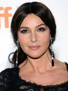 Monica Belluci no renuncia a su ojo negro y el rostro... ¡sin pigmentos!