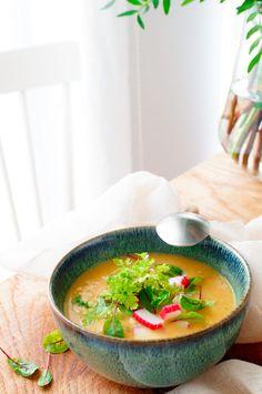 Preisoep met curry en surimi | Elien's Cuisine - Lekkere en gemakkelijke recepten Thai Red Curry, Ethnic Recipes, Food, Salads, Food Food, Essen, Meals, Yemek, Eten