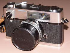 Vintage Konica Auto S 35mm Rangefinder Camera, Made In Japan, Circa 1963.