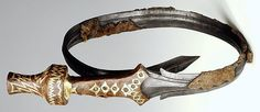 """Mindelheim type """"Chieftain of Oss"""" sword.approx. 800 B.C., material: bronze (urn), wood, iron and gold (sword), height: 50 cm (urn), 46 cm (sword), found in Oss (Dutch province of Noord-Brabant)"""