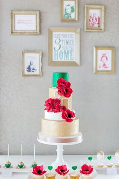 love the small vintage frames on the cake, mirroring the wall! // cake by The Sweetere, photo by Sandy Tam