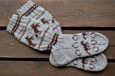 Horse socks - Sohvaneulomo Knitting Socks, Crochet Projects, Knit Crochet, Winter Hats, Knits, Crafts, Diy, Simple Knitting Projects, Knit Socks