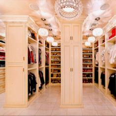 A women's dream...  But it would cost to fill it up. Lo at the clothes. A woman's dream
