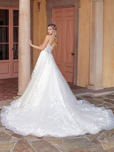 Ultra romantic strapless ballgown wedding dress with floral lace. Ultra romantic strapless ball gown wedding dress with floral lace. Stunning Wedding Dresses, Designer Wedding Dresses, Beautiful Dresses, Wedding Gowns, Casablanca Bridal Gowns, Princess Bridal, Bridal And Formal, Floral Lace, Floral Dresses