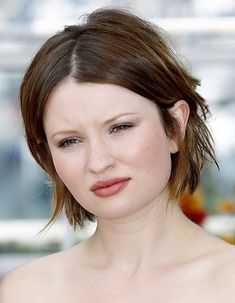 Le carré déstructuré d'Emily Browning Emily Browning, Autum Hair, Girl's Day Hyeri, Emily J, Photo Viewer, Ginger Snaps, Girl Day, Beautiful Actresses, Redheads