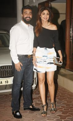Shilpa Shetty and Raj Kundra were snapped outside their residence on their wedding anniversary.  #bollywoodcouples  #anniversary #fashion #love