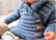 Knitted Baby Jacket crossed in front - Baby Knits - [ EASY Pattern & Tutorial ] Baby Knitting Patterns, Baby Hats Knitting, Knitting For Kids, Easy Knitting, Baby Patterns, Crochet For Boys, Crochet Baby, Knitted Baby, Baby Knits