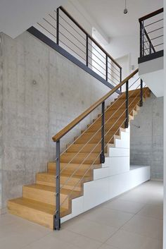 Metal Stair Railing, Stair Railing Design, Home Stairs Design, Stairs In Living Room, House Stairs, Classic House Design, Floating Staircase, Hallway Designs, Modern Stairs