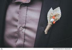 Boutonnière du marié en fleur de papier