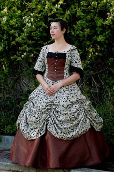 Isn't this Victorian ball gown lovely? It was made by toribird.