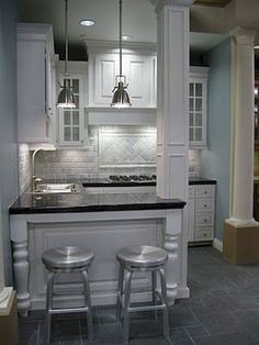 Lower counter for work space small basement kitchen, small basement apartments, basement apartment decor Basement Kitchenette, Small Basement Kitchen, Kitchenette Ideas, Modern Basement, Kitchenette Design, Basement Bedrooms, The Tile Shop, Rental Decorating, Decorating Ideas